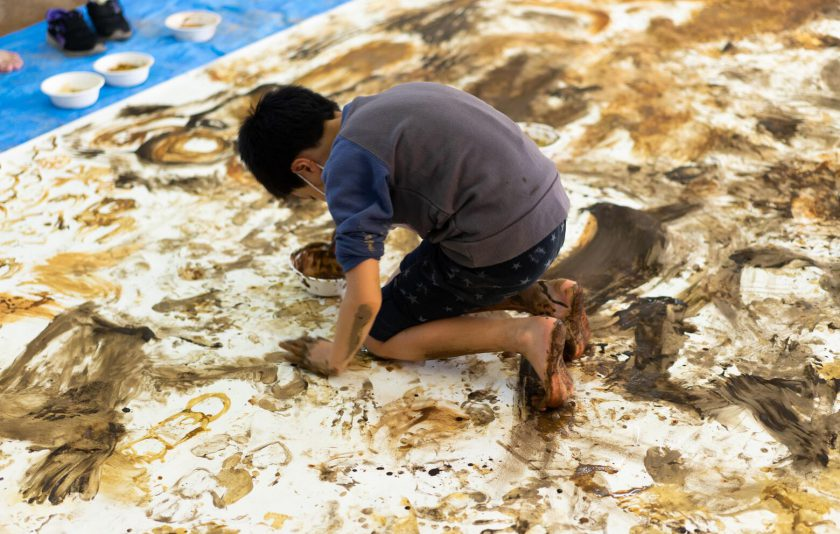 土×色千葉の土で絵を描こう